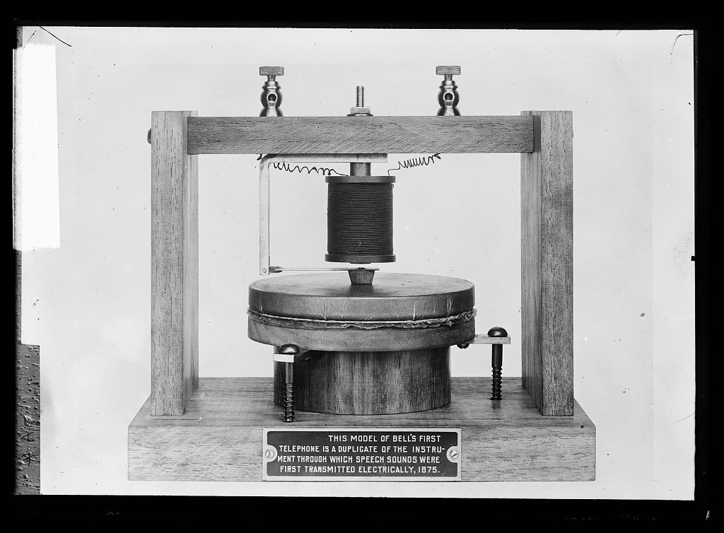 Рудиментарная модель телефона Белла